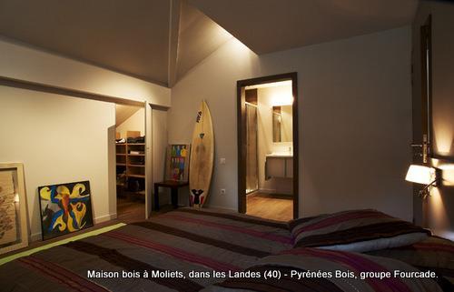 Maison bois d 39 architecte moliets landes 40 for Lumiere pour chambre