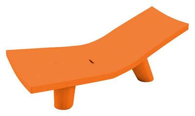 chaise longue low lita lounge slide orange en mati re plastique. Black Bedroom Furniture Sets. Home Design Ideas