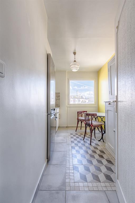 am nagement d 39 une cuisine en longueur ead photo n 15. Black Bedroom Furniture Sets. Home Design Ideas