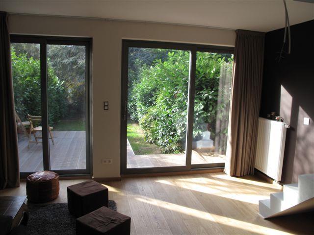 Salon ouvert sur la terrasse et le jardin greenwich - Salon ouvert sur jardin ...