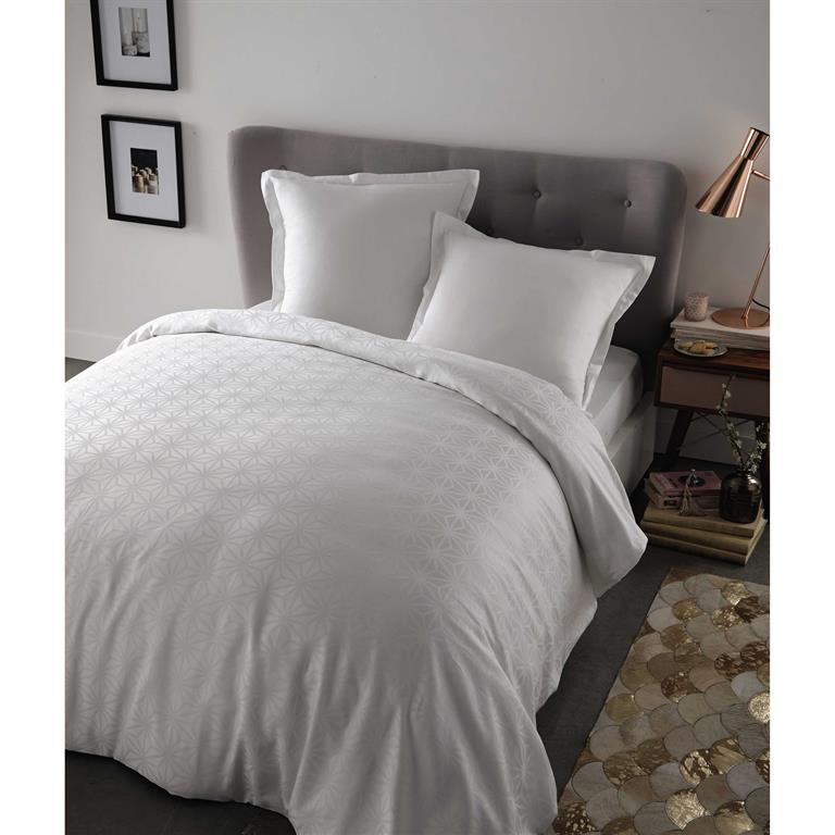 parure de lit 240 x 260 cm en coton blanche chlo maisons du monde. Black Bedroom Furniture Sets. Home Design Ideas
