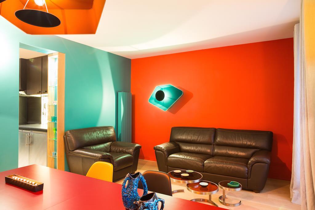 Salon Coloré Avec Mur Rouge Laurence Faure Photo N30