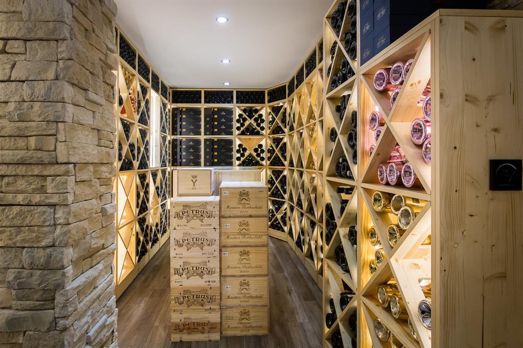 cave vin sur mesure auvergne. Black Bedroom Furniture Sets. Home Design Ideas