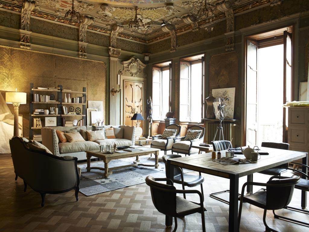 Image Maison Neoclassique DIALMA BROWN