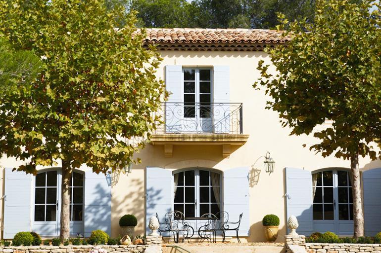Fa ade proven ale traditionnelle avec enduit clair - Facade maison provencale ...