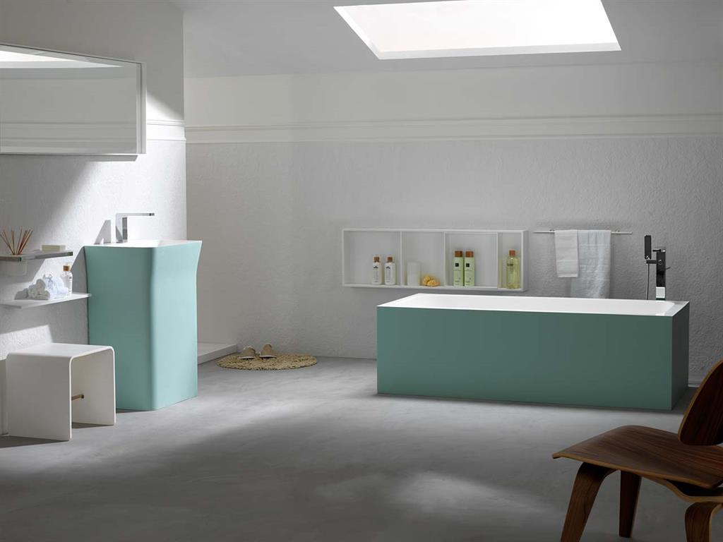 baignoire et lavabo en krion couleur vert d 39 eau porcelanosa. Black Bedroom Furniture Sets. Home Design Ideas