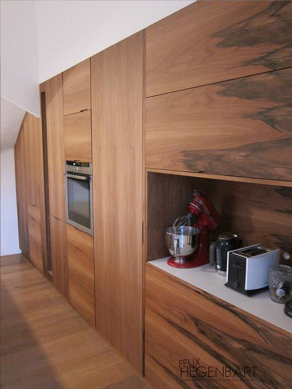 Cuisine quip e int gr au mur en bois felix hegenbart for Cuisine equipee en bois