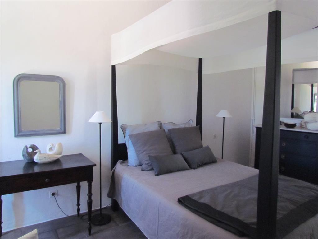 Chambre de style moderne avec baldaquin caroline o neill - Chambre style anglais moderne ...