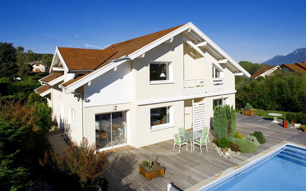 Image Maison avec terrasse bois et piscine Alexandre MORAND