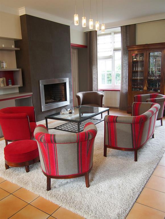 Salon moderne gris et rouge Géraldine FOURNY photo n°69