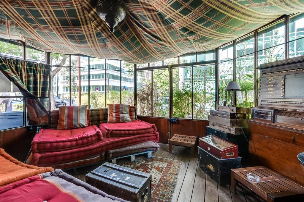restaurant les pieds dans l 39 eau neuilly sur seine. Black Bedroom Furniture Sets. Home Design Ideas