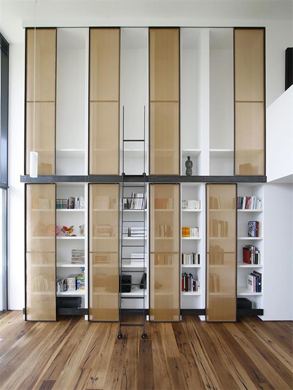 Biblioth que d 39 esprit librairie avec chelle sur rail - Echelle coulissante pour bibliotheque ...