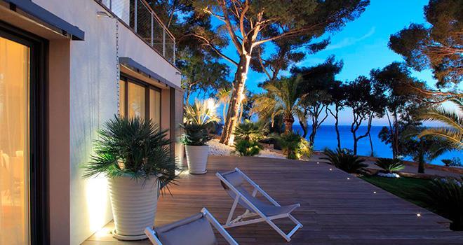 terrasse en bois avec vue sur la mer inter faces photo n 85. Black Bedroom Furniture Sets. Home Design Ideas
