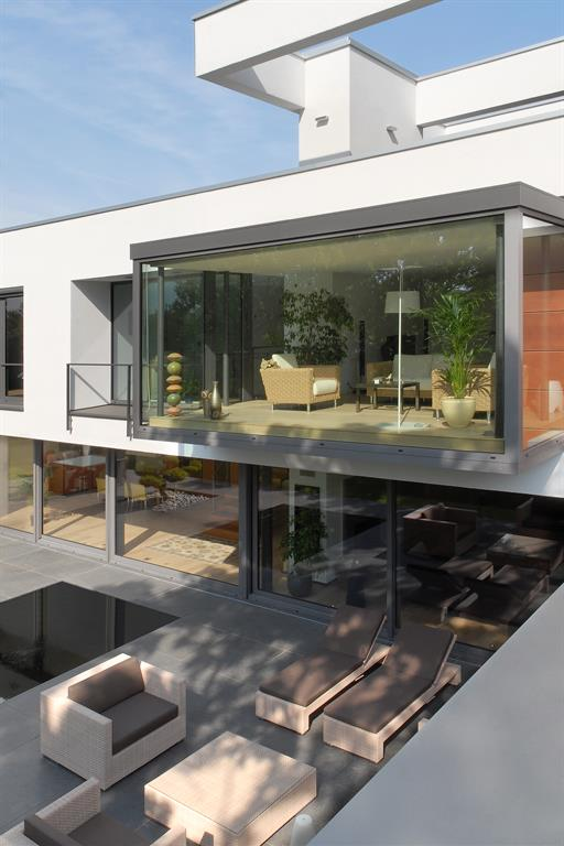 Vue sur le jardin d 39 hiver ainsi que la terrasse lhermitte for Architecture de jardin