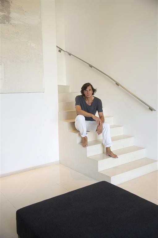 Entrée avec son escalier desservant l'étage
