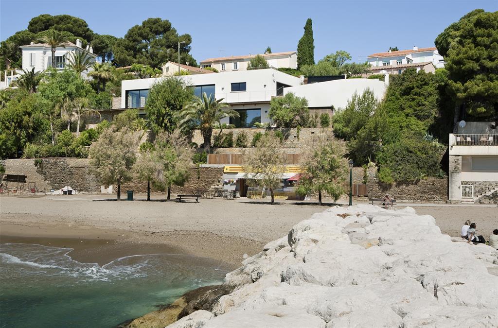 Villa contemporaine avec accès direct à la plage