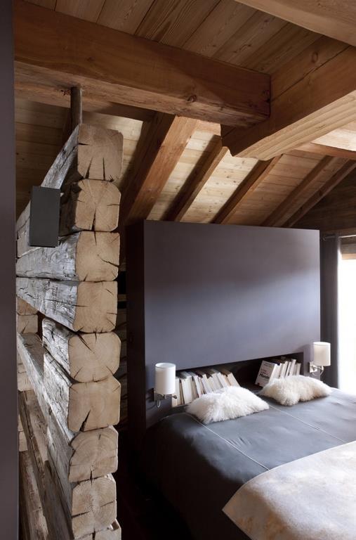 Amnager une chambre mansarde partager agrandir une for Tete de lit separation salle de bain