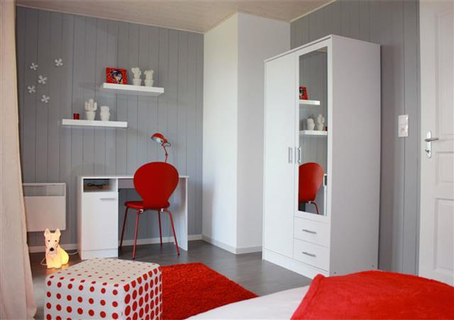 Emejing Chambre Lambris Gris Gallery - House Design - marcomilone.com