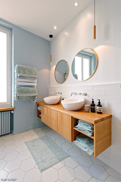 Ensemble de rangements vasques d'une rénovation de salle de bains