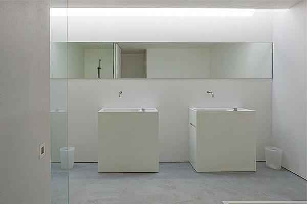 Salle De Bain Contemporaine Blanche: Salle de bain beige et gris ...