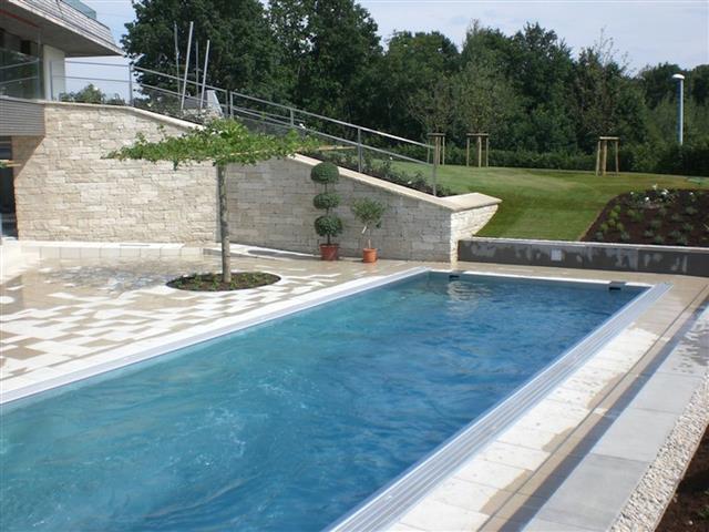piscine avec terrasse en contrebas du jardin art design piscine. Black Bedroom Furniture Sets. Home Design Ideas