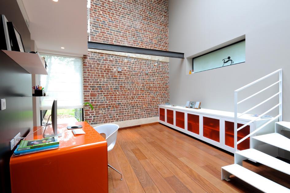D coration bureau 8 bureaux pour travailler avec style par emmanuelle larti - Decoration bureau travail ...