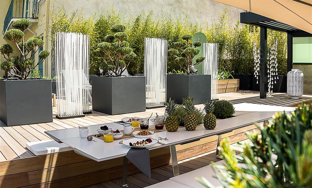 grande jardini re sur mesure en fibre ciment laqu image 39 in. Black Bedroom Furniture Sets. Home Design Ideas