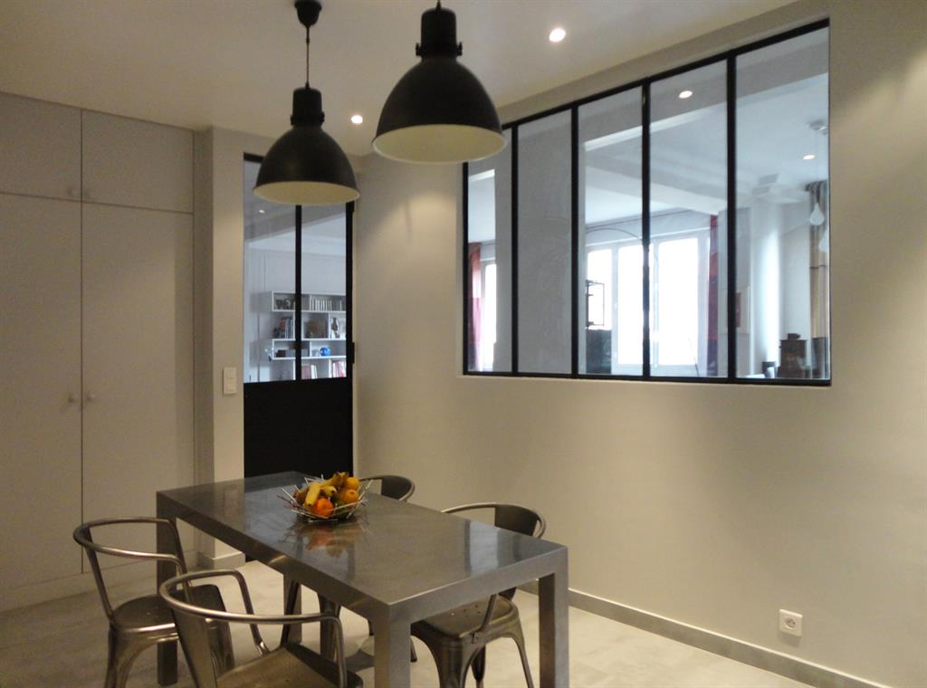 fen tre sur cuisine. Black Bedroom Furniture Sets. Home Design Ideas