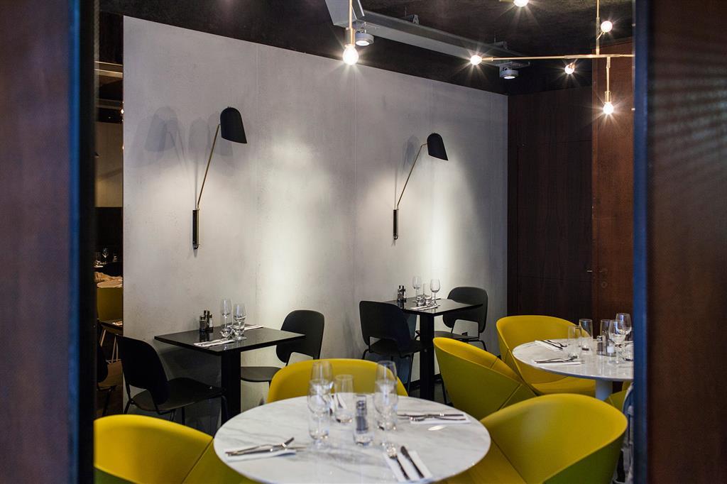 Image Habillage des murs du restaurant Little Apple Concrete LCDA
