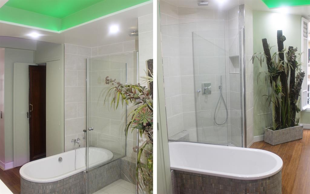 La salle de bain de plein pied dispose d une douche l for Cout d une salle de bain a l italienne