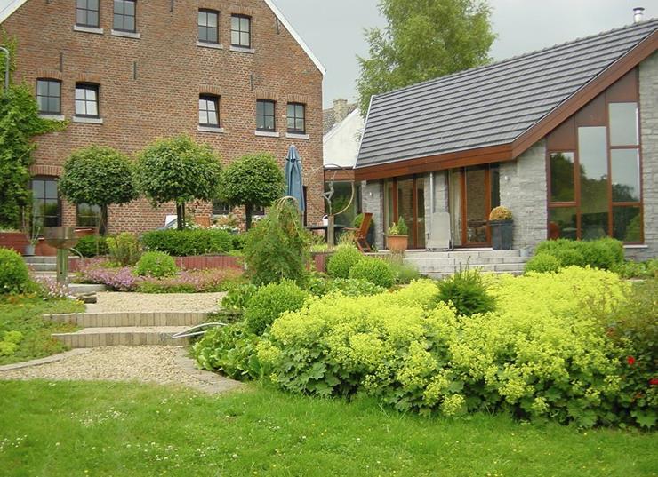 Jardin avec all e en graviers bolly beckers sprl photo n 43 for Gravier pour allee de jardin