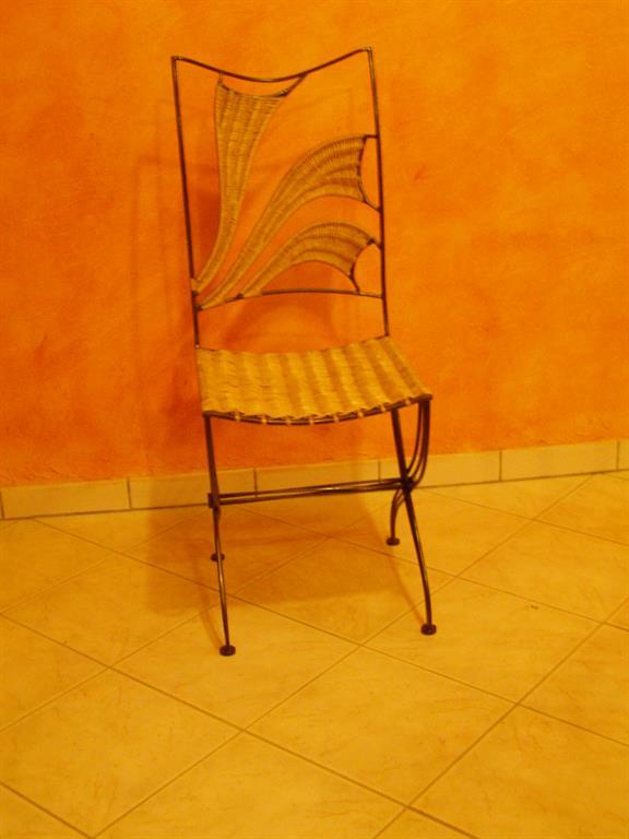Chaise acier osier ferronnerie rocle ref chaise acier osier for Chaise osier tresse