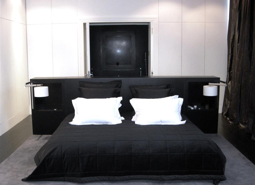 Chambre A Coucher Noir. Libre De Droits Download Chambre Coucher ...