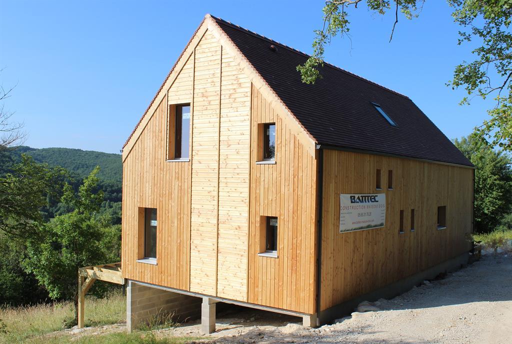 Maison bardage bois dans la montagne batitec photo n 25 for Bardage bois maison ancienne