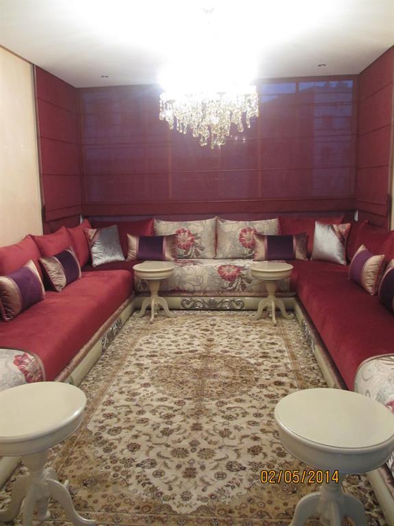 Salon Marocain Rouge Bordeaux