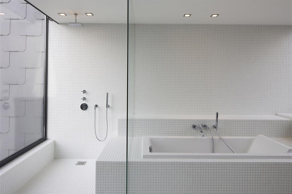 Salle de bains blanche GUILLAUME DA SILVA photo n°40