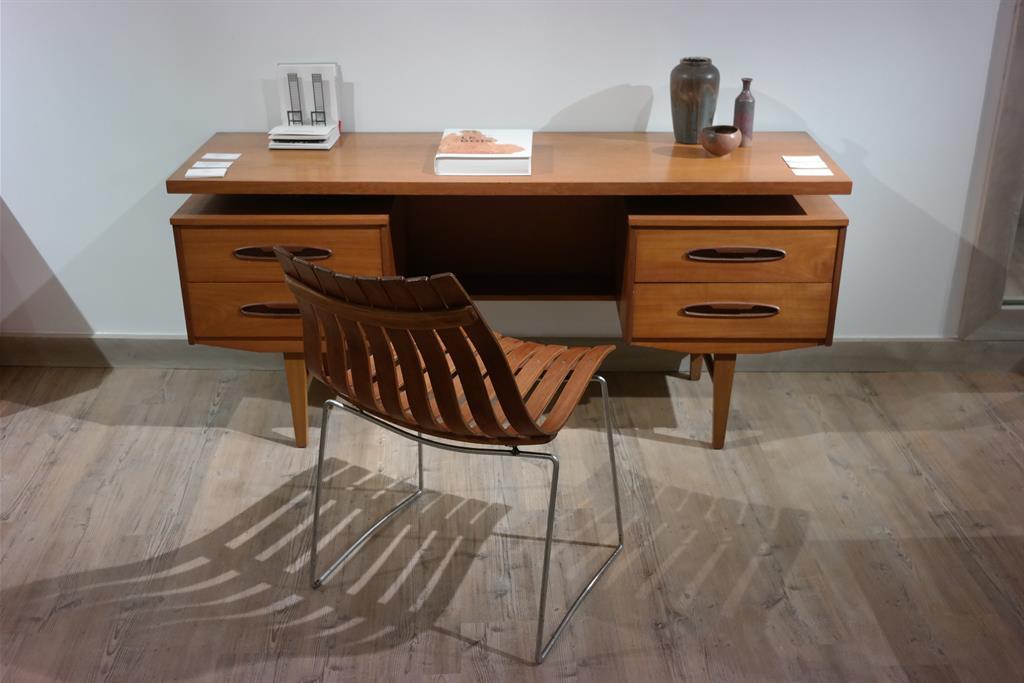 Bureau G-Plan et chaise de Hans Brattrud