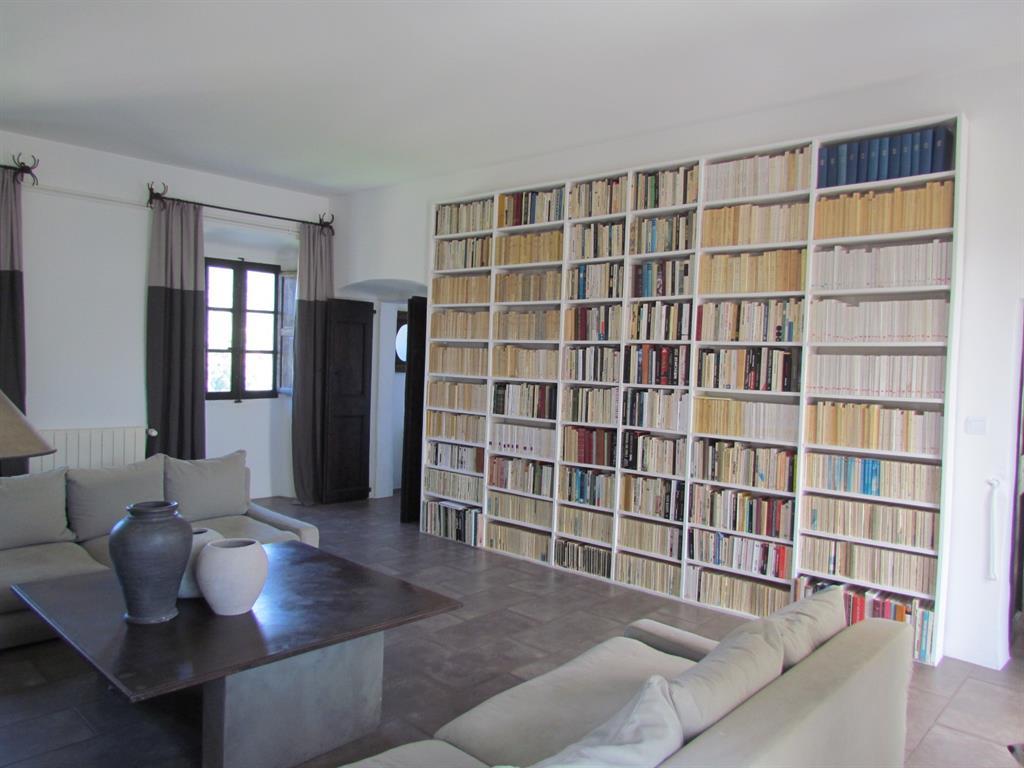 salon contemporain litt raire caroline o neill photo n 46. Black Bedroom Furniture Sets. Home Design Ideas