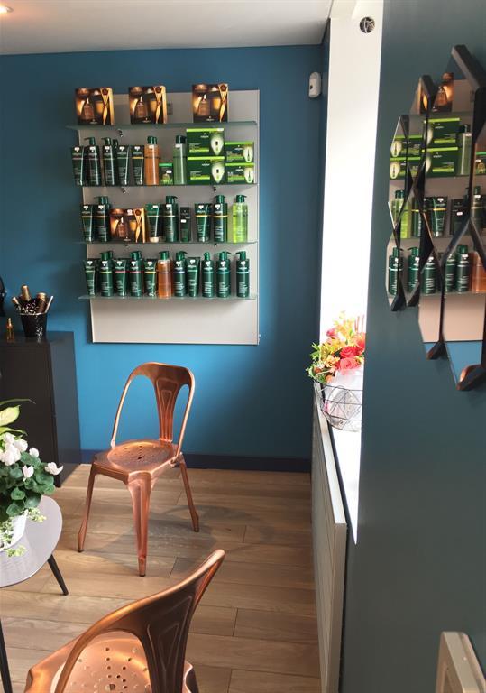 Un salon de coiffure 39 l 39 atelier 39 - Amenagement d un salon ...