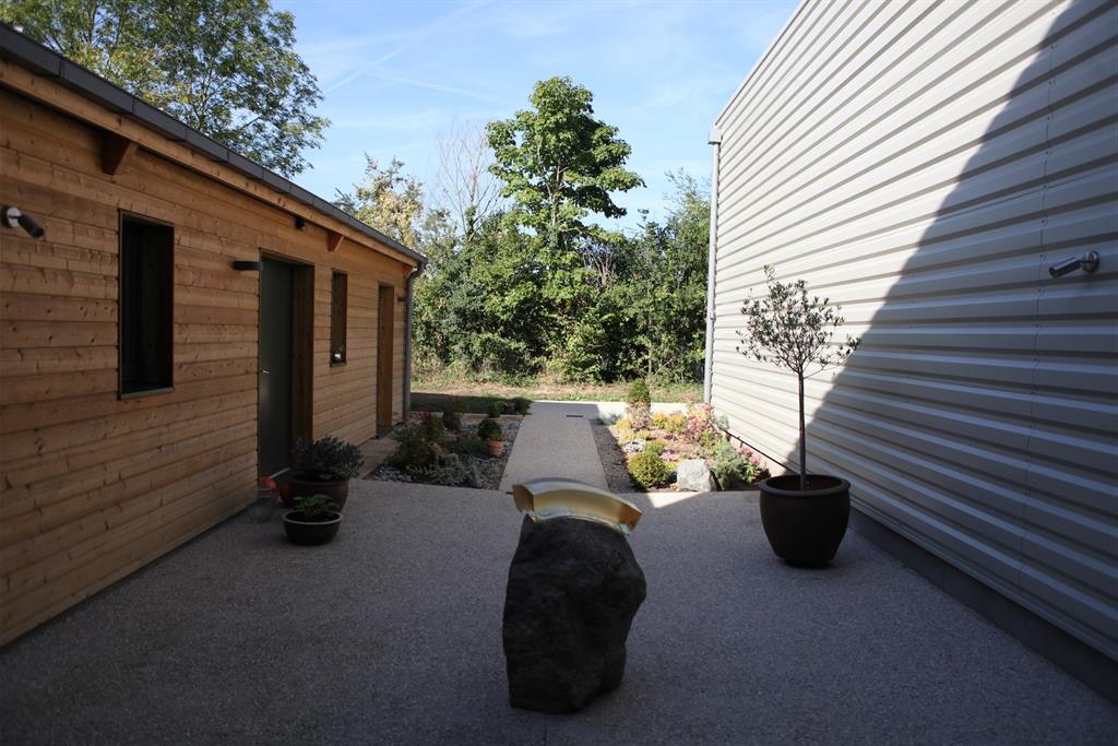 Construction d 39 une maison individuelle avec atelier d 39 artiste domoz - Maison style atelier ...