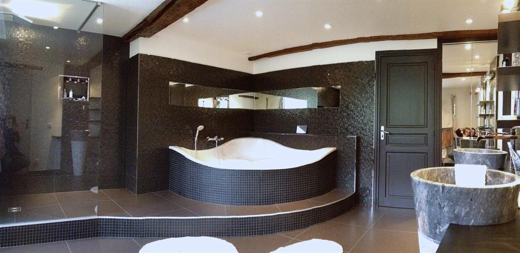 dcorateur design bel ensemble pour une salle de bain qui tait lorigine rose