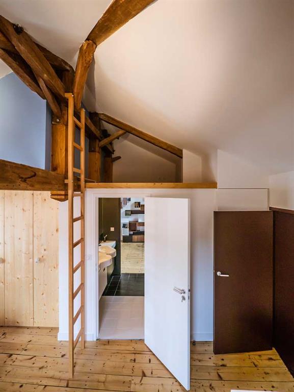 am nagement d 39 une mezzanine au dessus d 39 une salle de bain. Black Bedroom Furniture Sets. Home Design Ideas