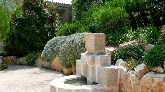Bassin de jardin des b n fices et des contraintes par emmanuelle lartilleux for Fontaine de jardin niagara