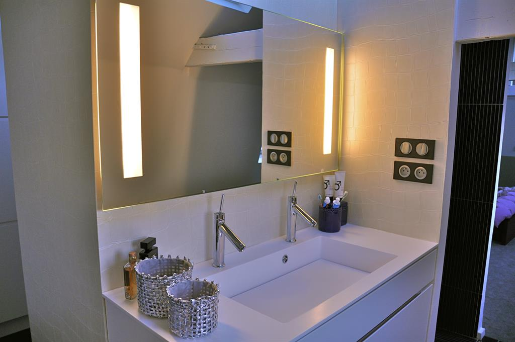 Salle de bain suite parentale eloise d co photo n 88 - Salle de bain contemporaine blanche ...