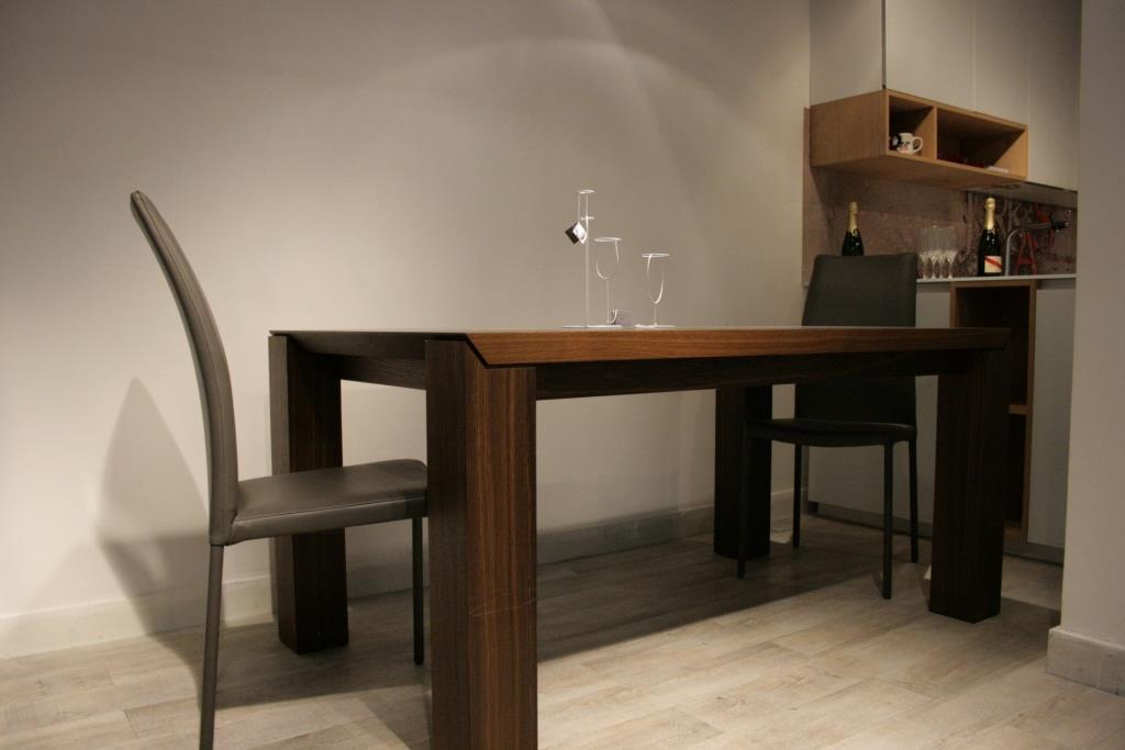 Table ambroggio