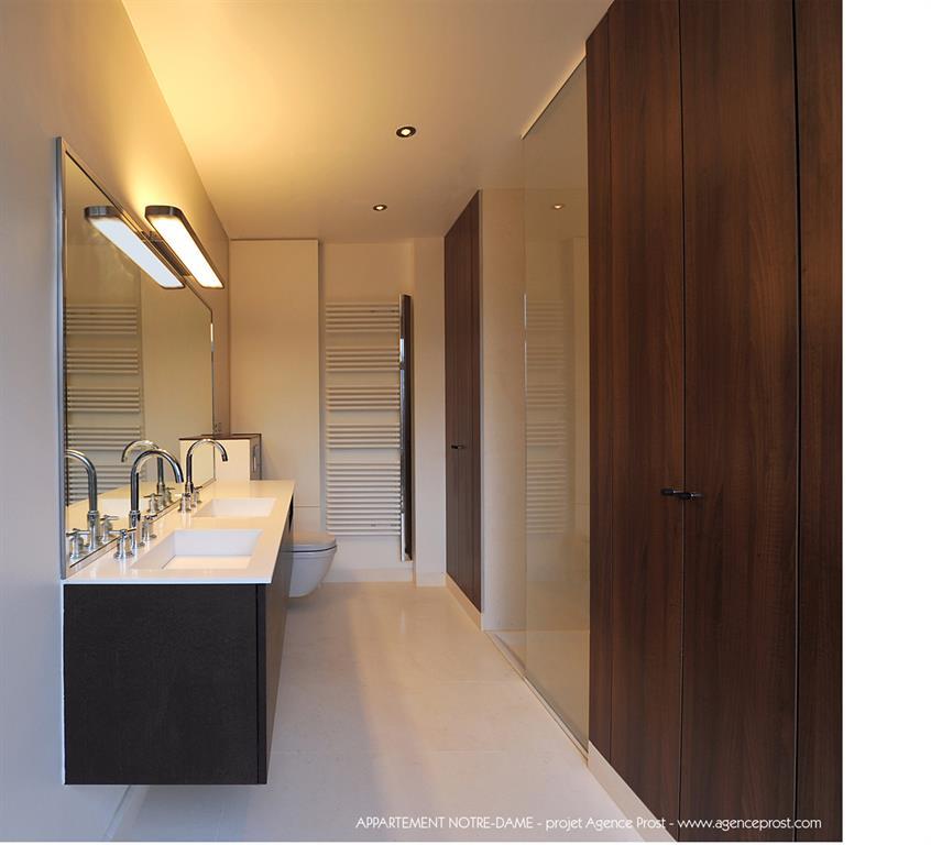 Salle de bain pur e agence prost photo n 38 domozoom for Salle de bain epuree