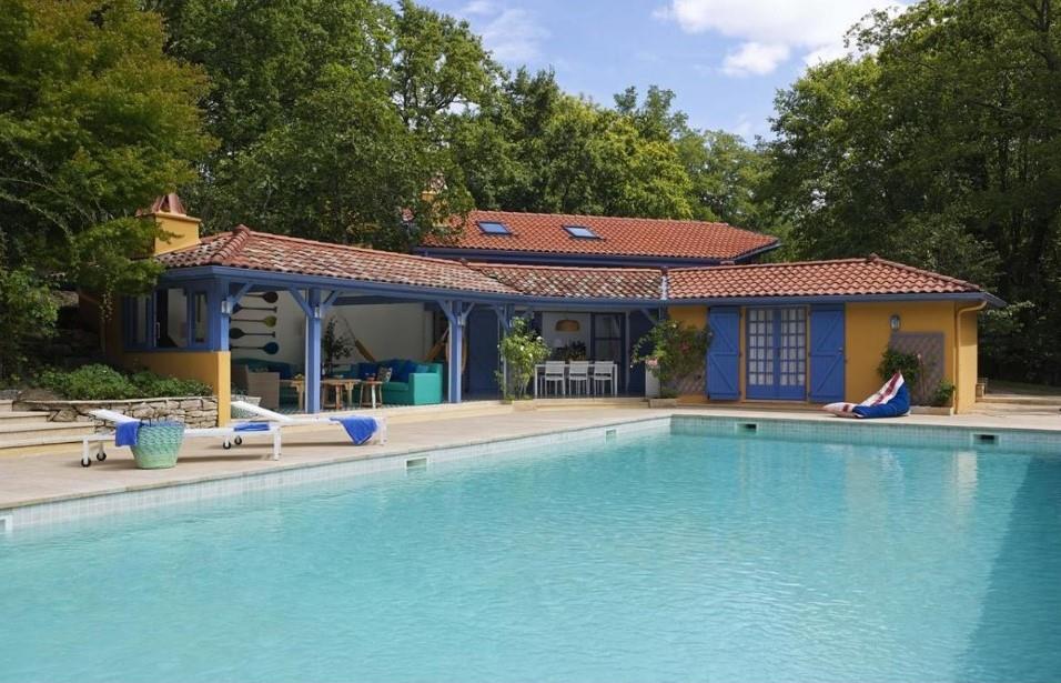 Maison ouverte sur la piscine mosaic del sur photo n 81 for Piscine ouverte