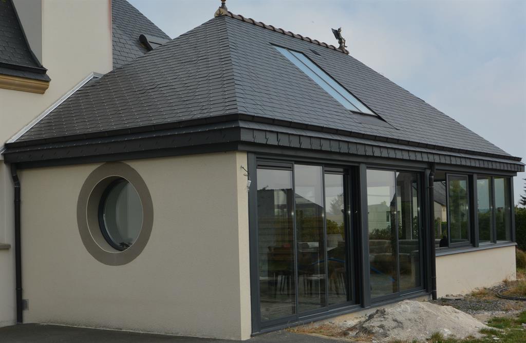 Maison moderne avec toit ardoise avie home for Maison moderne avec toit zinc