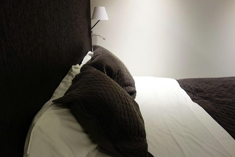 Une chambre dans un esprit tr s masculin sonia home d co for Chambre tres moderne