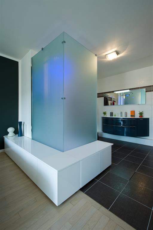Cabine de douche design verre satiné